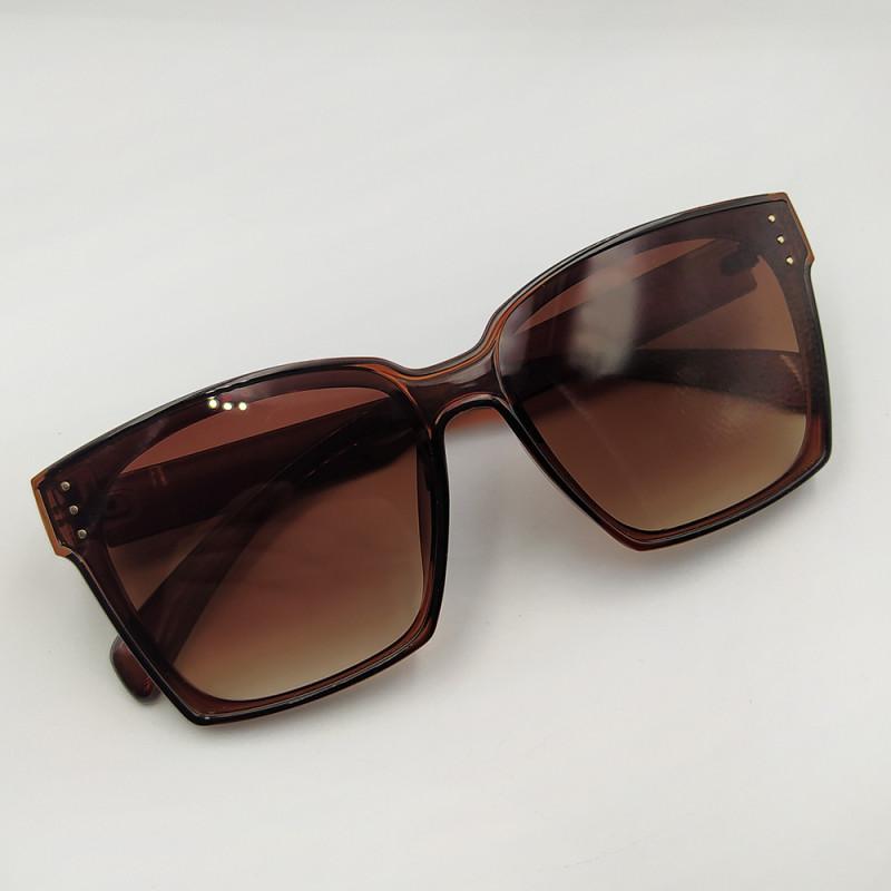 Женские солнцезащитные очки 028