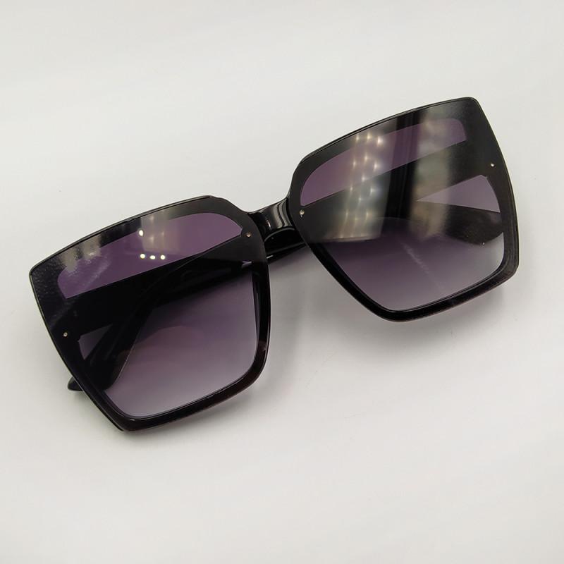 Женские солнцезащитные очки 040