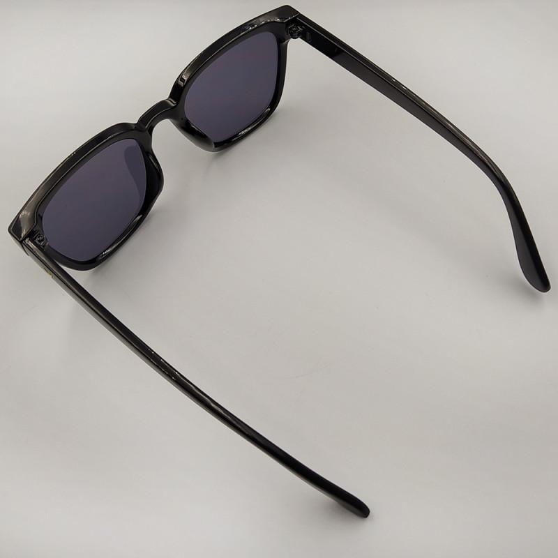 Женские солнцезащитные очки 042